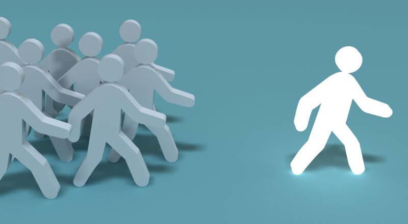 「フォロワーシップ」とは?「リーダーシップ」との違いや実践方法