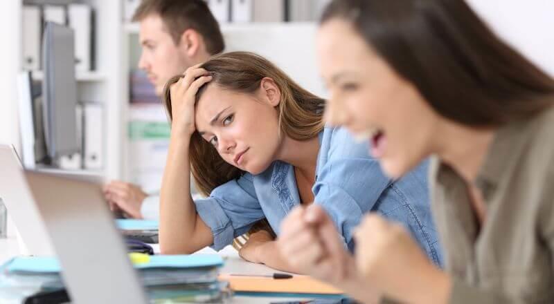 職場の人間関係の悩みを解消するコツ ~自分の考え方を変えよう~